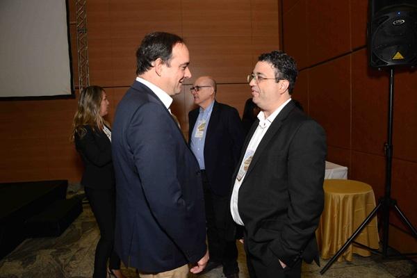 Flávio Roscoe - Presidente da FIEMG com o palestrante Gustavo Vanucci